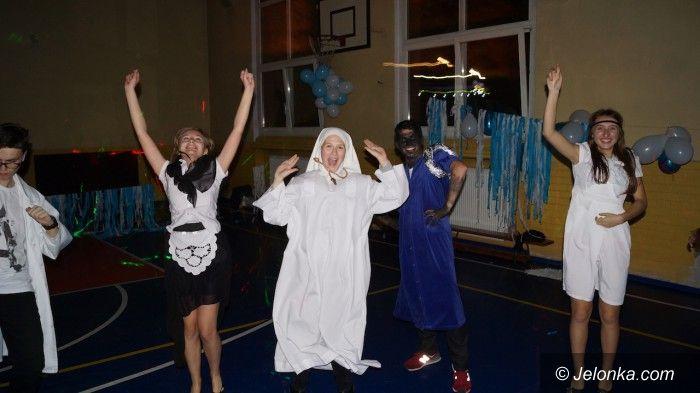 Jelenia Góra: Młodzi balowali w niebie!
