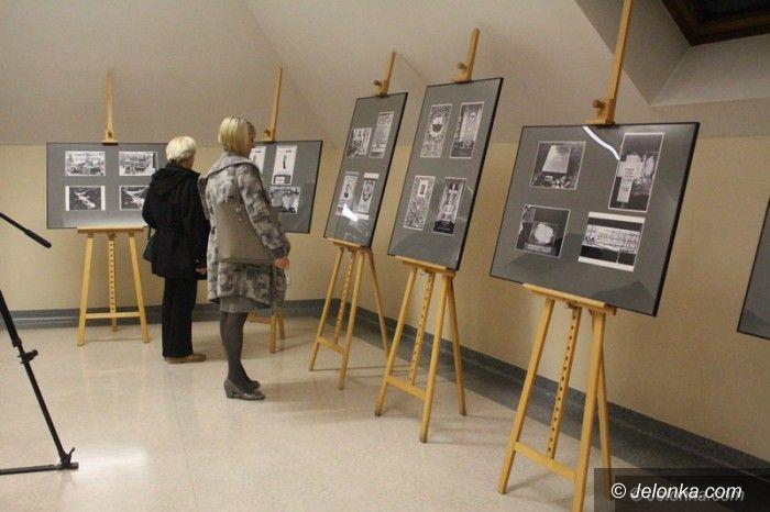 Jelenia Góra: Niezwykła i ważna wystawa w Książnicy Karkonoskiej