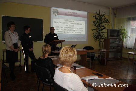 Jelenia Góra: Współpraca placówek oświatowych z policją