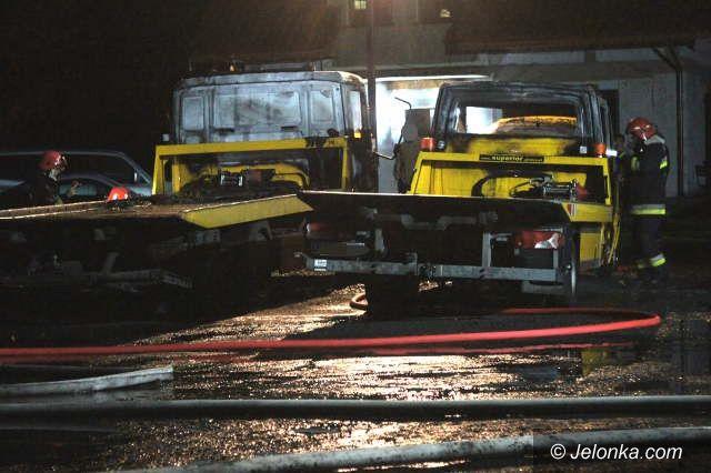 Jelenia Góra: Spaliły się lawety. Przyczynę ustala policja