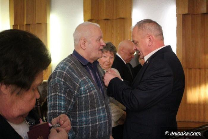 Jelenia Góra: Wręczenie medali z wielką farsą