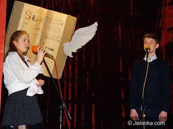 Jelenia Góra: Poetycko i śpiewająco w MDK