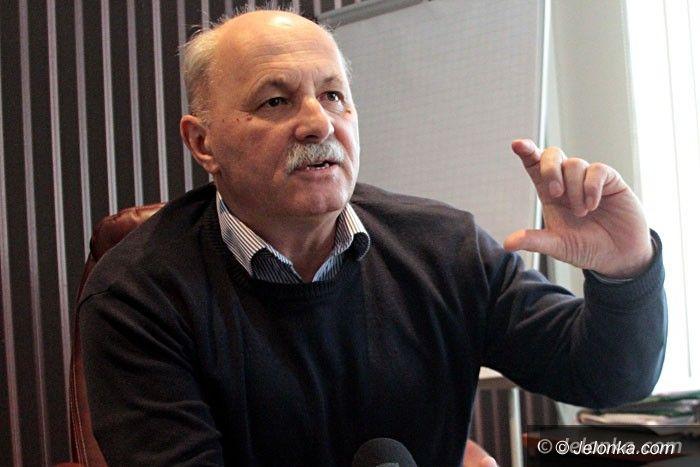 Jelenia Góra: Wodnik odbiera część swojej pożyczki w… działkach