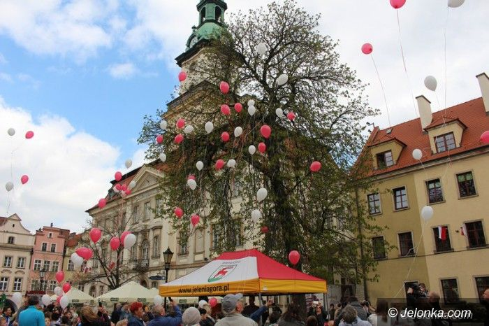 Jelenia Góra: Świętowali dzień flagi narodowej
