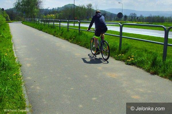 Jelenia Góra: Kto posprząta zabłoconą drogę rowerową?