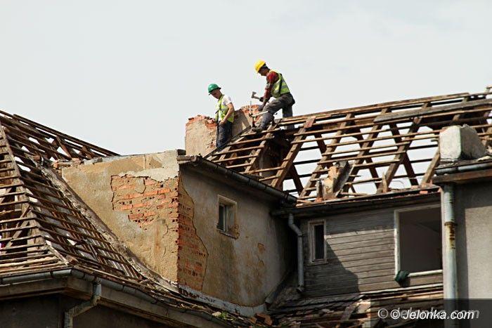 Jelenia Góra: Ruszyła rozbiórka byłej bursy Ekonomika