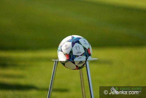 III liga piłkarska: Remis Karkonoszy na pożegnanie z III ligą