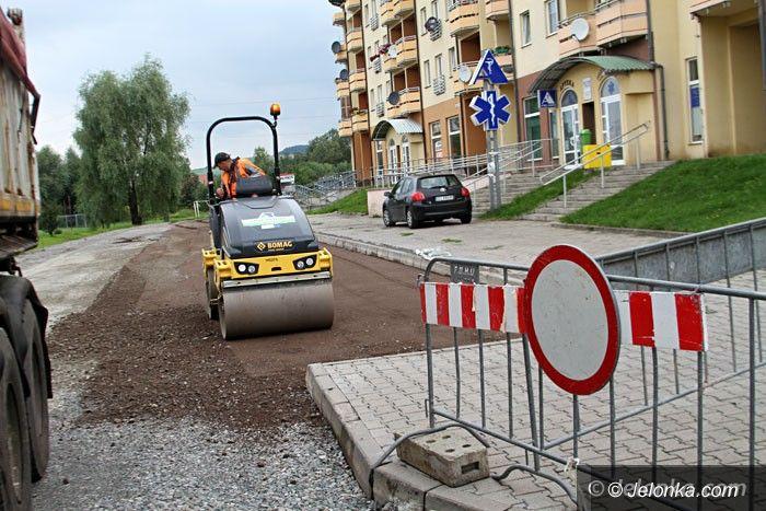 Jelenia Góra: Kolejny kawałek asfaltu na Zabobrzu