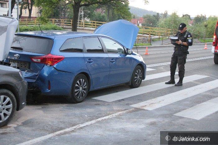 Jelenia Góra: Kolizja na Wolności z udziałem trzech aut