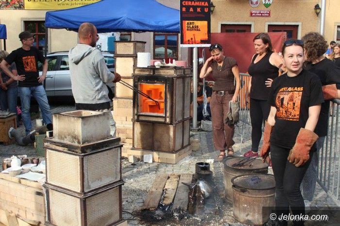 Jelenia Góra: Rzemieślnicy prezentują się na Art&Glass Festiwalu
