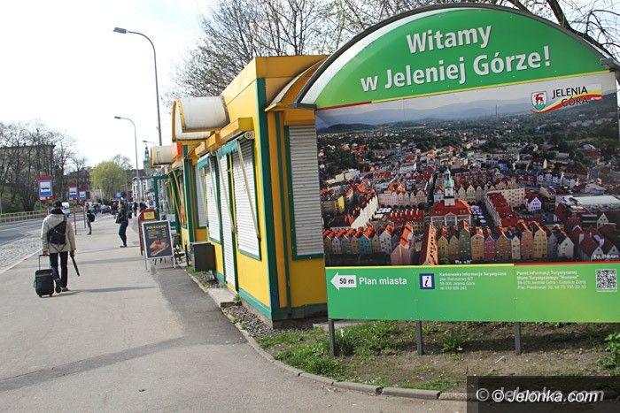 Jelenia Góra: Czytelnik: MZK mija się z pociągami