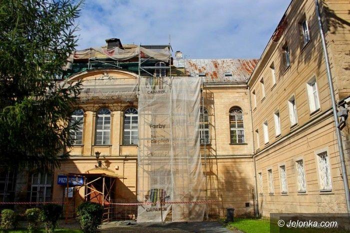 Jelenia Góra: Trwa remont w Gimnazjum Katolickim