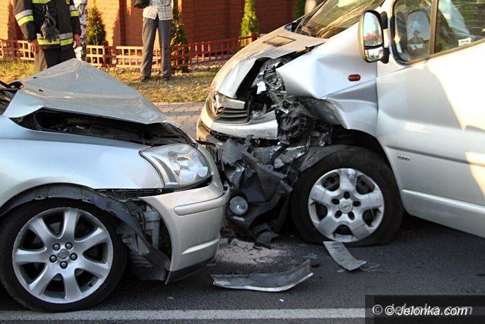 Jelenia Góra: Zderzenie na Kiepury. Jedna osoba trafiła do szpitala