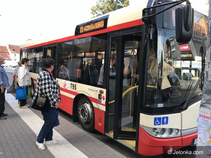 Jelenia Góra: Działania prewencyjne policji w autobusach MZK