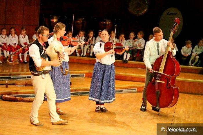 Jelenia Góra: Rytm i Melodia z góralską kapelą