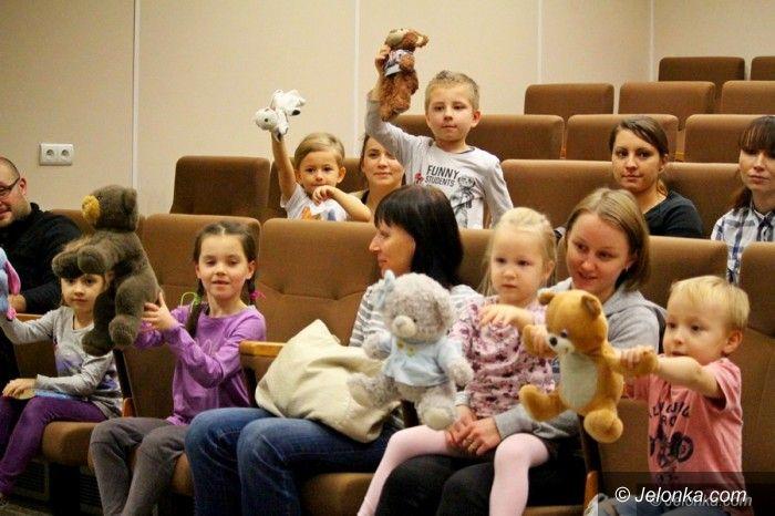 Jelenia Góra: Pluszaki gościły w Książnicy Karkonoskiej