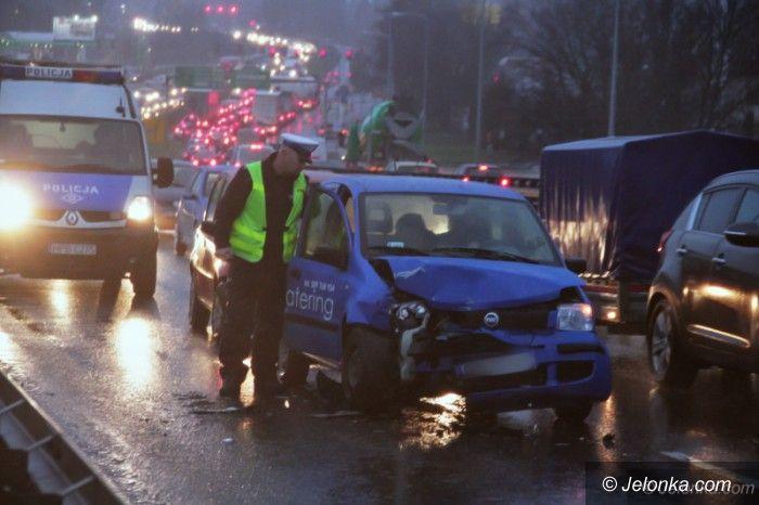 Jelenia Góra: Kolizja trzech aut na Alei Jana Pawła II