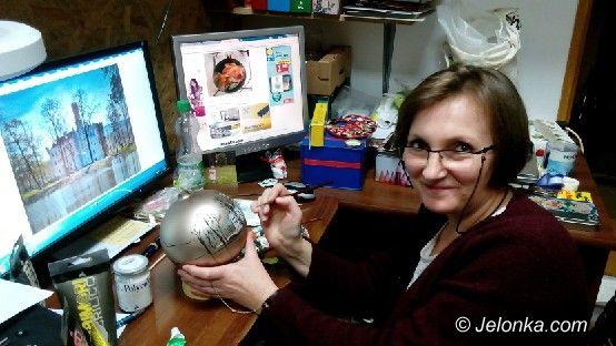 Jelenia Góra: Trwa malowanie bombek na aukcję dla szpitala