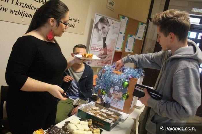 Jelenia Góra: Studenci charytatywnie... i z wyzwaniem