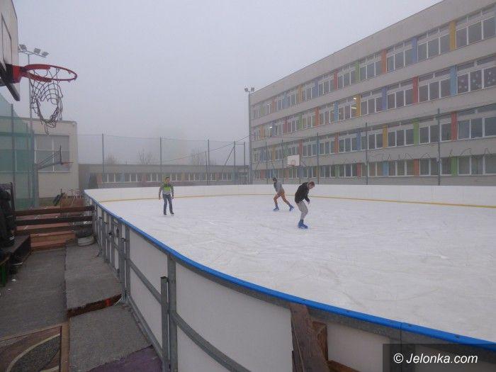 Jelenia Góra: MOS zaprasza na lodowisko