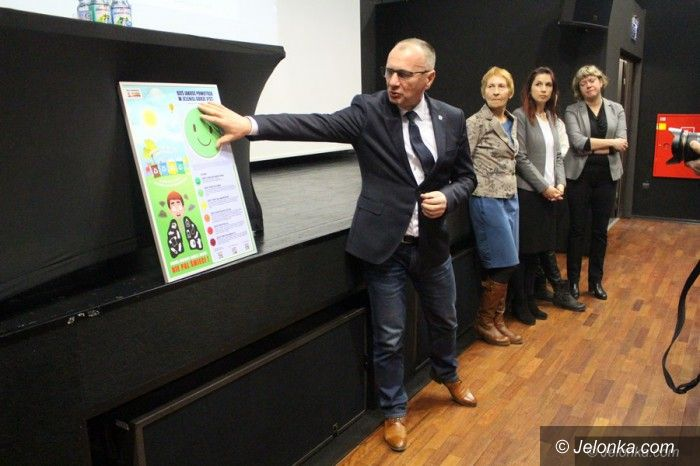 Jelenia Góra: Tablice smogowe w szkołach i przedszkolach