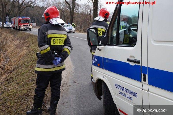 Region: Wypadek pod Pisarzowicami, w akcji śmigłowiec