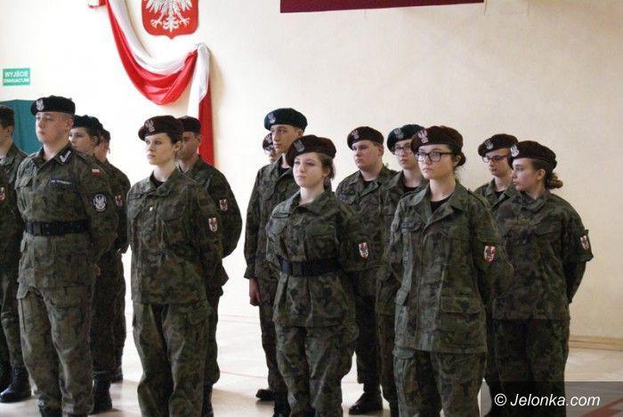 Piechowice: Ślubowanie klasy wojskowej w Piechowicach