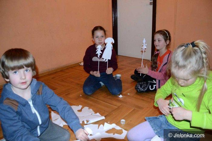 Jelenia Góra: Czarny teatr w ODK – niezwykłe warsztaty dla dzieci