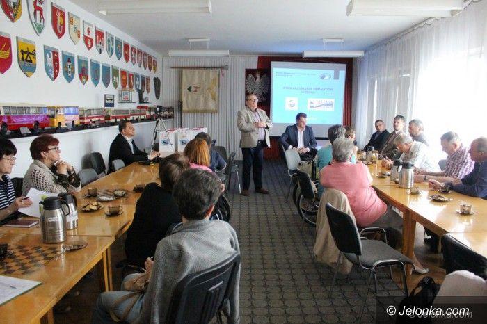 Jelenia Góra: Rozmawiali o barierach w komunikacji miejskiej