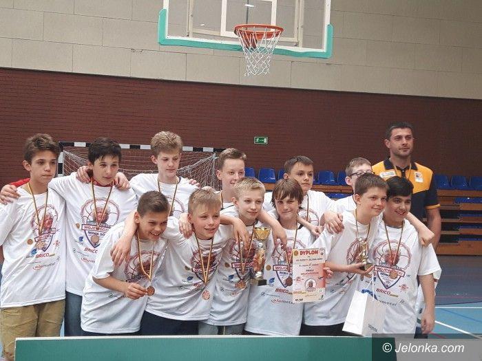 Nowa Sól: Młodzi koszykarze Sudetów na trzeciej lokacie