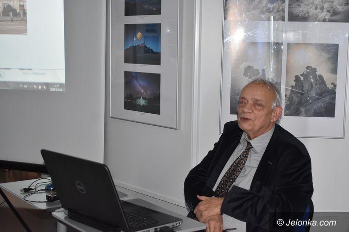 Jelenia Góra: Gawęda o secesji prof. Pawła Banasia