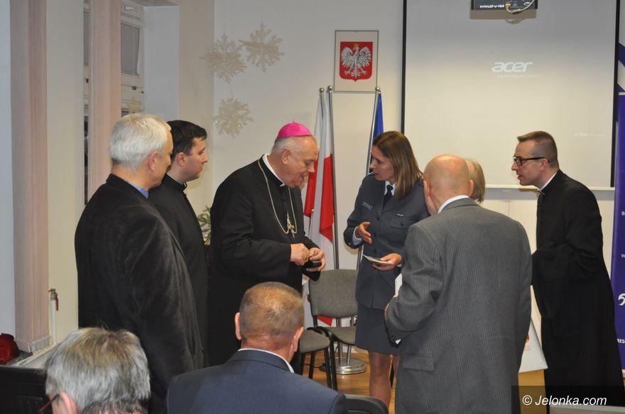 Jelenia Góra: Biskup odwiedził areszt śledczy