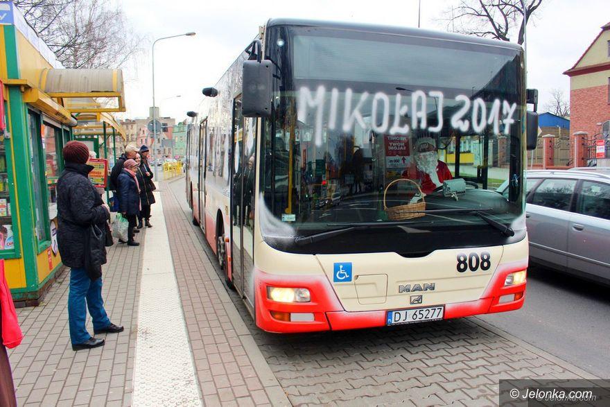Jelenia Góra: Mikołajkowy autobus woził jeleniogórzan