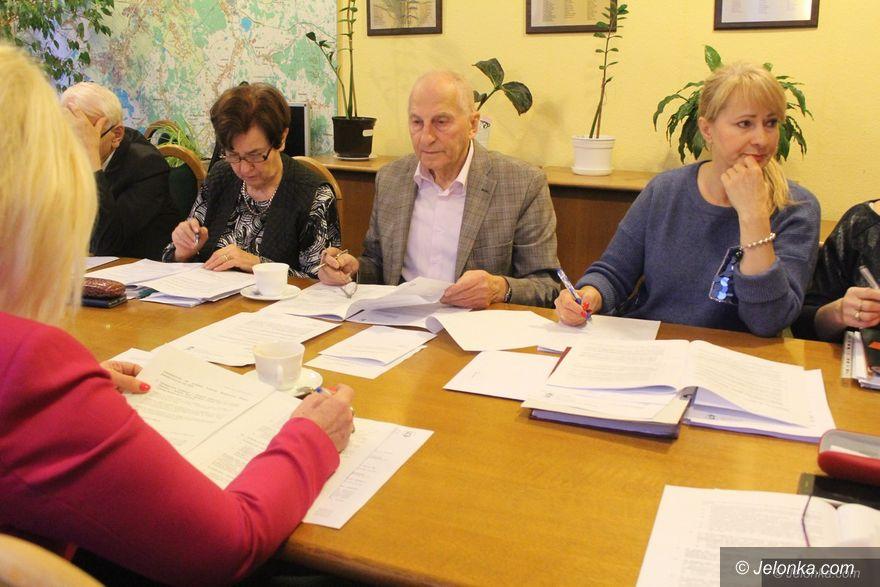 Jelenia Góra: Komisja Finansów podzielona ws. projektu budżetu