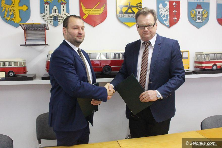 Jelenia Góra: Podpisali umowę na autobusy hybrydowe