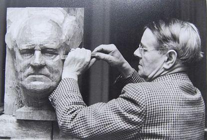 Cirillo dell' Antonio przy pracy nad portretem Gerhardta Hauptmanna