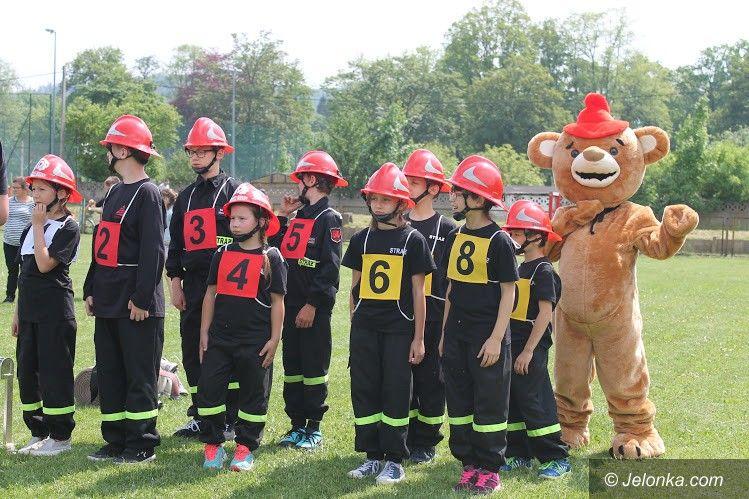 Janowice Wielkie: Walczyli mali strażacy