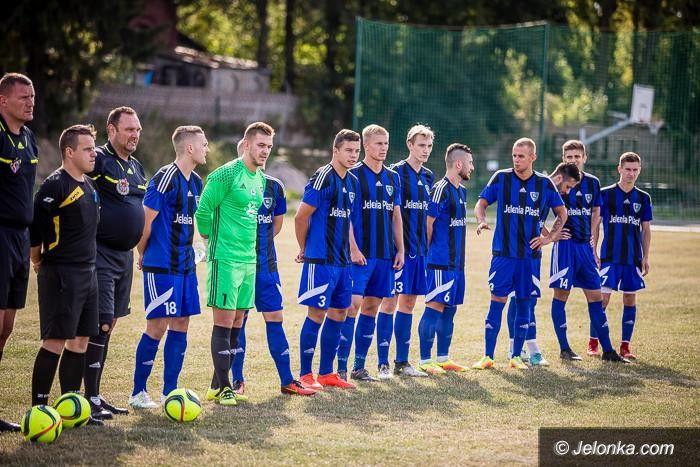 IV liga piłkarska: Karkonosze zagrają u siebie