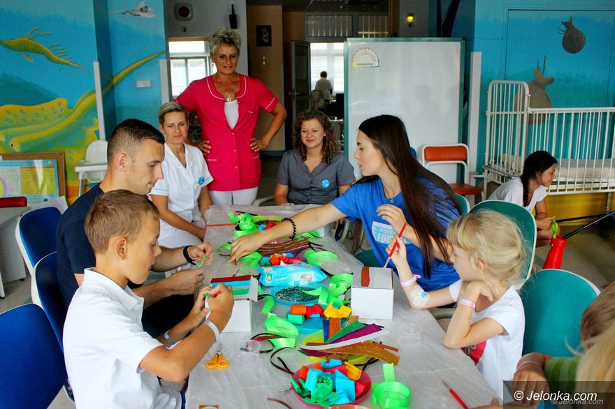 Jelenia Góra: Twórcze zajęcia dla pacjentów z pediatrii