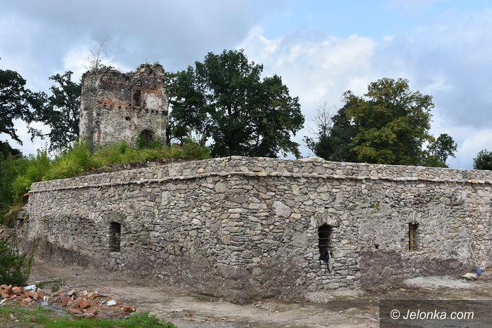 Stara Kamienica: Ruiny w remoncie