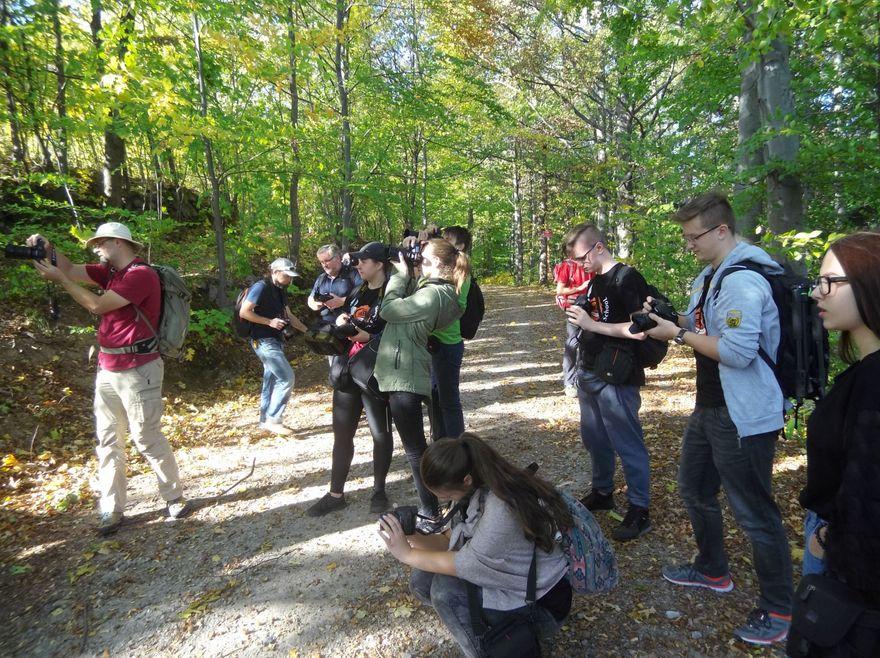 Jelenia Góra: Fotospacer uczniów po perłach regionu
