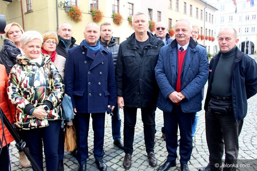 Jelenia Góra: Tomasz Siemoniak wspiera Jerzego Łużniaka