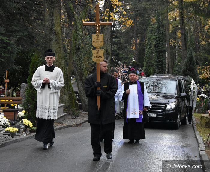 Jelenia Góra: Ostatnie pożegnanie ofiar tragicznego wypadku