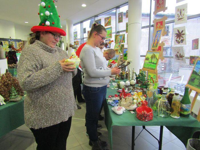 Kowary: Na kiermaszu WTZ świąteczne cudeńka