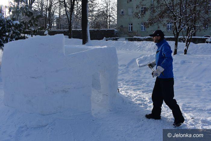 Kowary: Stolarz z Kowar... buduje śnieżne domki