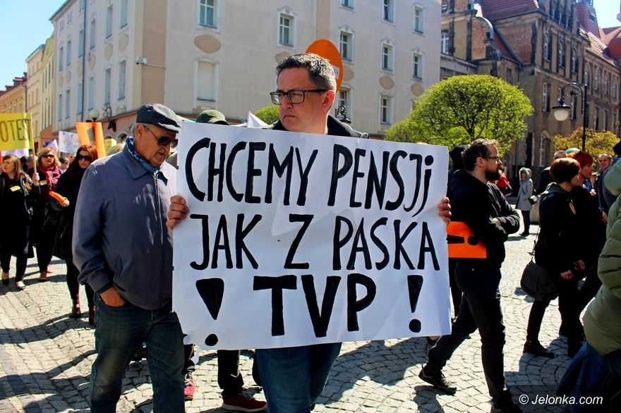 Jelenia Góra: Protest oświaty