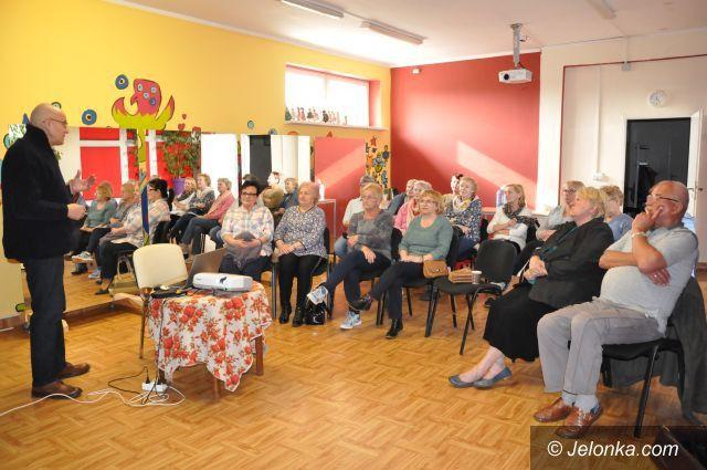 Jelenia Góra: Zdrowo i teatralnie u Młodych Duchem