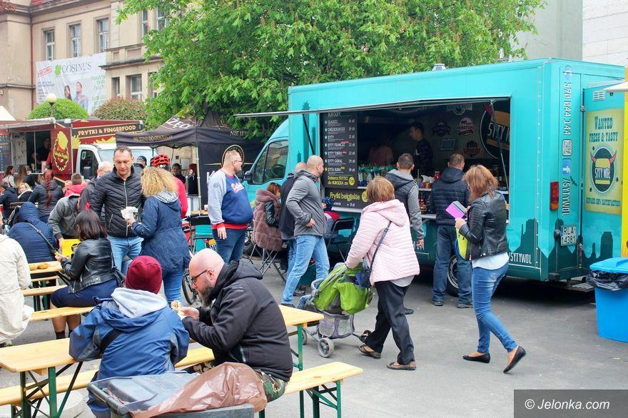 Jelenia Góra: Z mięsem i bez... smacznie na Bankowej