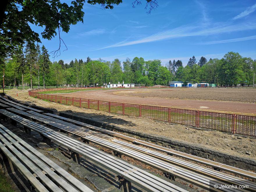 Jelenia Góra: Trwa remont stadionu przy ulicy Lubańskiej
