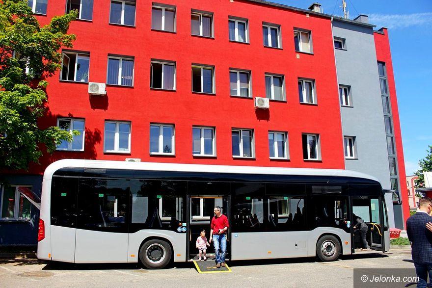 Jelenia Góra: W MZK testowali autobus elektryczny
